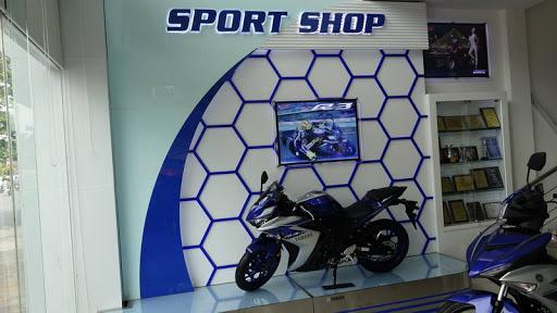Không gian bên trong Yamaha Town Sport shop