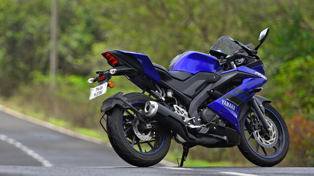 Yamaha R15 - xe phân khối lớn giá rẻ của Yamaha